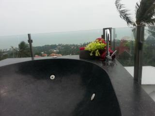 studio lilou/jacuzzy privé sur terrasse/ vue mer, Chaweng