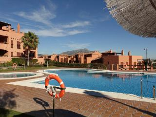 New luxury garden apartment, great location!, Benahavis