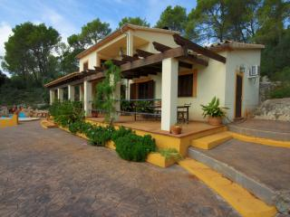 Villa - 3 Bedrooms, pool - stunning mountain views, Bunyola