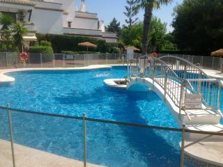 Appartement a Marbella dans un jardin tropical  .1 bedroom, Mijas