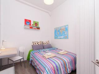 Central Room,Priv.Shower,Air.Cond.WiFI, Barcelona