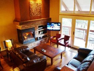 Antler House walk to the Village - Listing #308, Mammoth Lakes