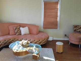 Beautiful 2 Bedroom Modern Apartment Near NYC