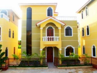 Colorful Villas One Block From Beach