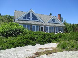 152 LOOP ROAD | GEORGETOWN, MAINE | INDIAN POINT | CONTEMPORARY RETREAT | BEACH ACCESS, Georgetown