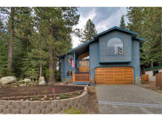 Handsome Home in Private Neighborhood with Pool Table and Private Hot Tub (MY64), South Lake Tahoe