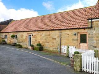 HARE SLACK FARM, pet-friendly, WiFi, close to amenities in National Park, in Castleton, Ref 918614
