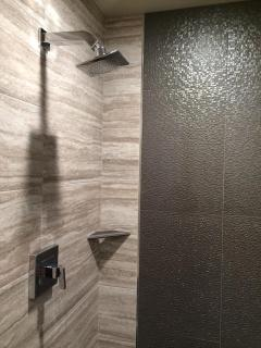 'Vintage Aviator' shower