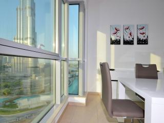 BURJ RESIDENCE, DOWNTOWN -LUXURY 2 BED APT #DD2B02, Emirado de Dubai