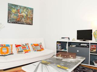 Beco das Flores, Typical Apartment, Lisboa