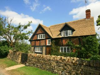 Old Forge Cottage, historical Cotswolds character, Little Washbourne