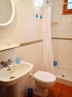 Baño 1 - Bathroom 1