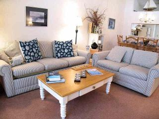 Ocean Edge upper Level with King Bed - EA0318, Brewster