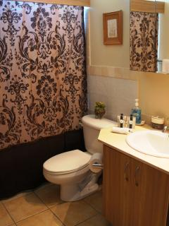 2nd Bedroom, Toiletries provided - Signature Natura line - soap, shampoo, conditioner, liquid soap.
