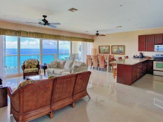 """Billion Dollar View!"" See Photos. Penthouse., Cozumel"