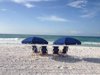 Best value - pools, wifi, & beach service included, Miramar Beach