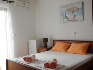 Apartments StellaMaris.Me Quad Room №2, Donji Stoj