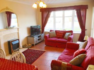 Spacious lounge with Freeview TV, DVD & WiFi
