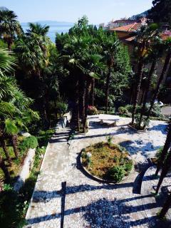 Villa Meri: Front garden