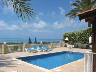Bungalow, en-suite, stunning views, Coral Bay, disable friendly, see view