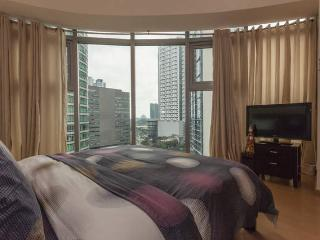 Pure And Simple Avant@The Fort 2 bed Manila, Taguig City