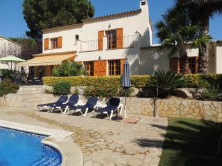 Villa Verano in Calonge. Airco in slaapkamers