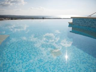 The Mediterranean Suite...stunning panoramic views, Peyia