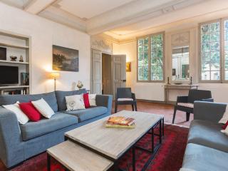 Appartement Avignon centre, terrasse, 3 chambres, 3 salles de bains, Parking