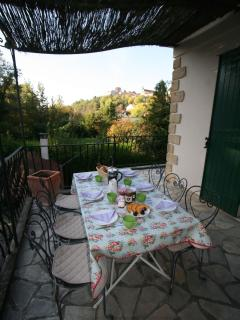 Breakfast on the balcony - with fresh charentais melons, a local speciality