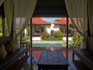 2 Bed room pool villa on the surfing Berawa Beach, Canggu