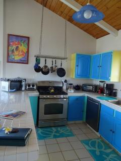 Full kitchen with gas range and dishwasher