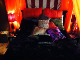 Moroccan Themed bed and healthy breakfast smoothie, Cave Creek