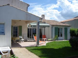 BELLE VILLA****TT CONFORT  PLAGES A 800 M, Ile de Re