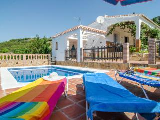 V03 SUNNY VILLA WITH PRIVATE POOL IN FRIGILIANA, Frigiliana