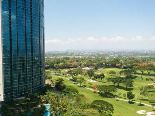 Breeze & views - Avant @ The Fort - Manila BGC