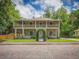 Historic Downtown Vacation Rental - Oviedo House, Saint Augustine