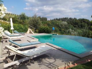 Villa Monterosoli private garden and pool secluded
