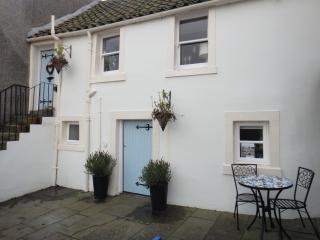 Kirkgate Cottage - Romantic Boutique Bolthole, Pittenweem
