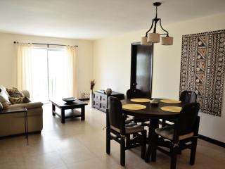 1BR + Den + Parking. Steps from Lincoln Rd, SoBe, Miami Beach