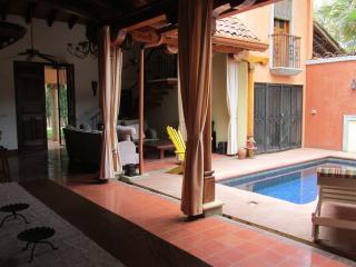 Casa Leon Tamarindo