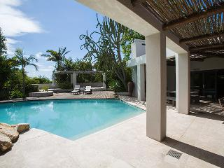 Constantia Oasis - Holiday Home
