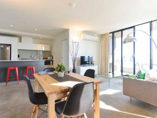 Spacious 2BR CBD Apartment + Seaview!, Melbourne