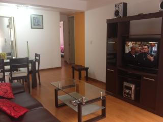 Miraflores Furnished apt KING size bed, Lima