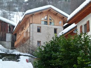 Fantastic Savoyard Farmhouse in 3 valleys ski area