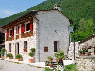 Country house 10 minutes from Bassano and Asolo, Bassano Del Grappa