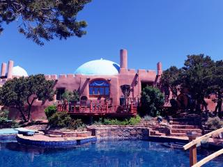 Rass Mandal - Residence on 10 Acres with Pool, Santa Fe