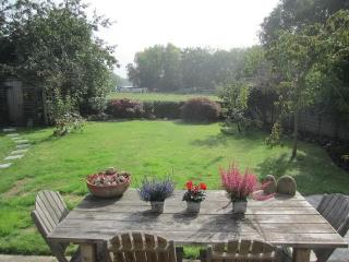 NEW!UK Surrey cottage close to London, Woking