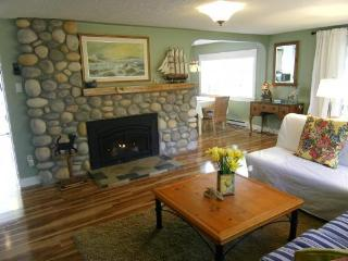 Family friendly by the Beach, Bakers Cottage, Parksville