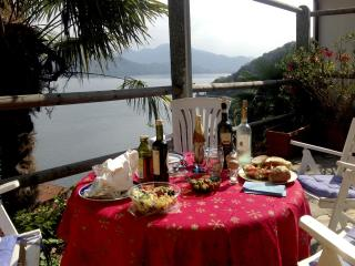 Beautiful 3 Bed Stone Cottage on Lake Maggiore, Cannobio