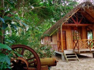 Centro Turístico Salango, Isla Salango